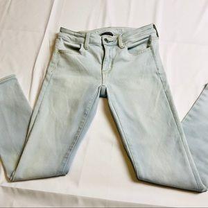 AEO Soft Blue Sz. 4 Short 360 Super Stretch Jeans